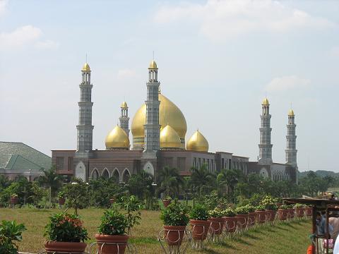 Masjid Dian Al Mahri di Depok